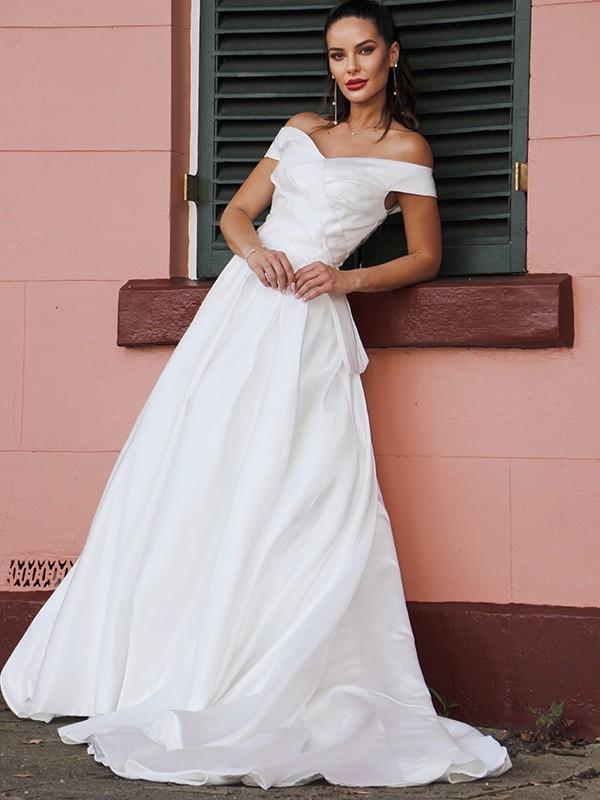 A-Line/Principessa Raso Increspato Abiti senza spalline Senza maniche Coda a strascico corto Abiti da sposa