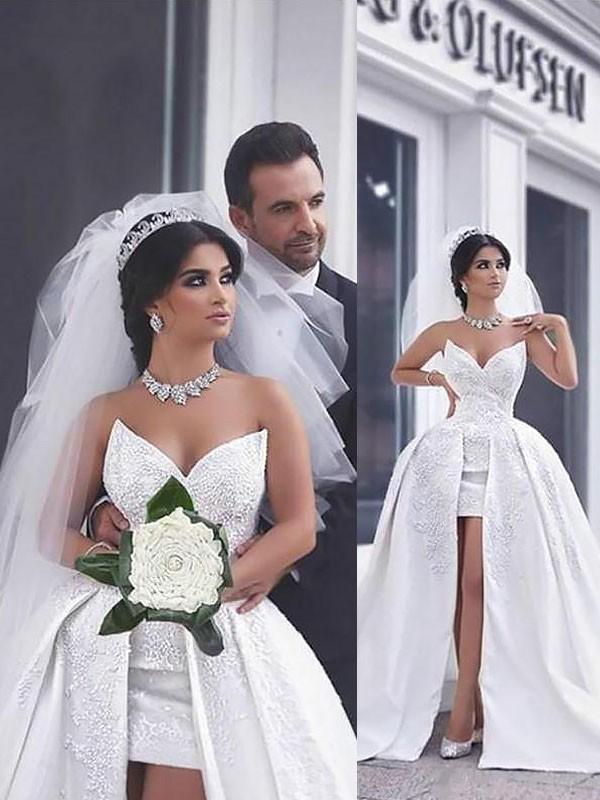 Da ballo Perline Raso Senza maniche Coda Cappella Scollatura a cuore Abiti da Sposa