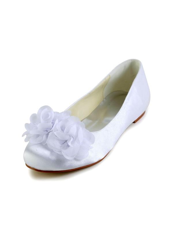 Donna Raso Heel piatto punta chiusa Flats bianca Scarpe da sposa Con Raso Flower