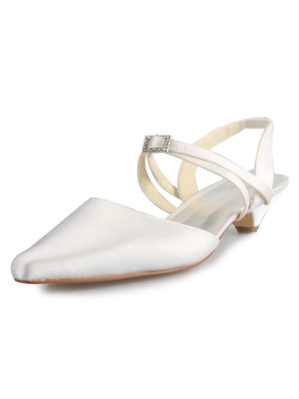 Donna Raso Kitten Heel punta chiusa Con Buckle bianca Scarpe da sposa