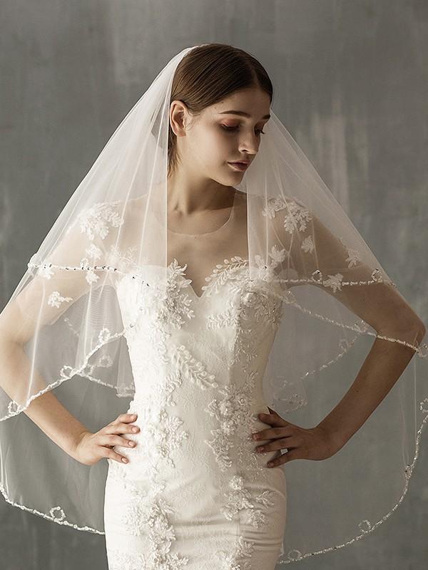 Bellissimo Tyll Two-Tier Fingertip Sposa Veli
