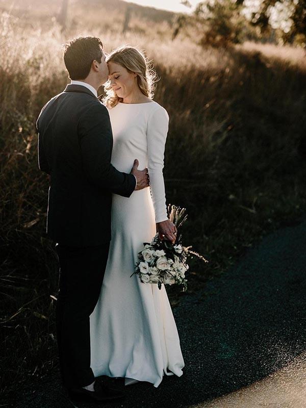 Tubino/colonna Scollatura gioiello Maniche lunghe A terra Increspature Raso elastico Abiti da Sposa