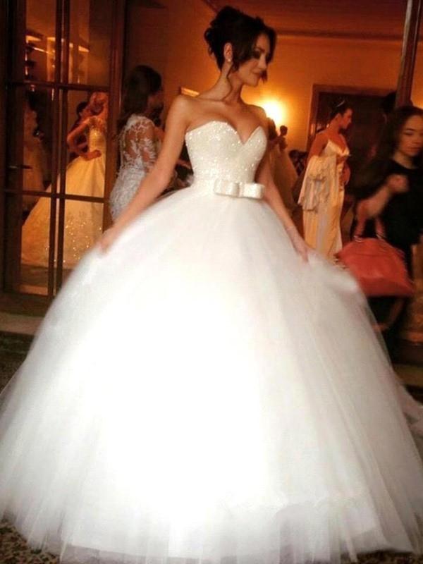 Da ballo Fiocco Scollatura a cuore Tyll Senza maniche Al pavimento Abiti da  Matrimonio abda79c5234