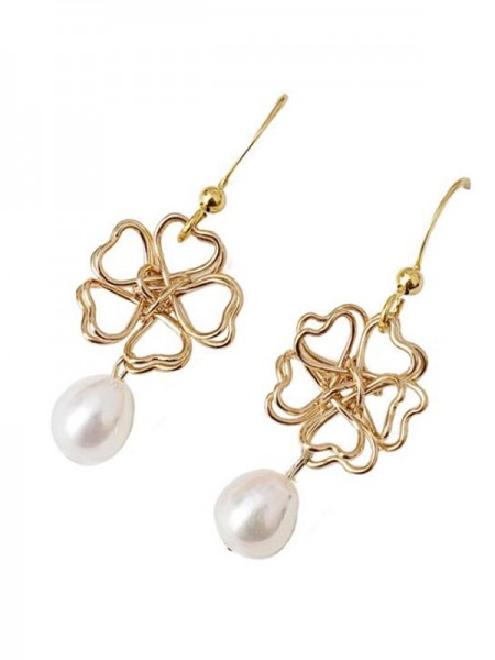Graceful Pearl With Flower Hot Sale Orecchini For Ladies