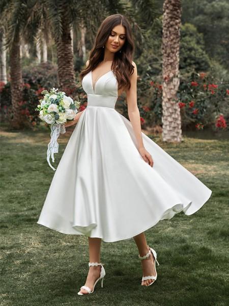 A-Line/Principessa Increspature Scollatura a V Senza maniche Raso Lunghezza Tè Abiti da sposa