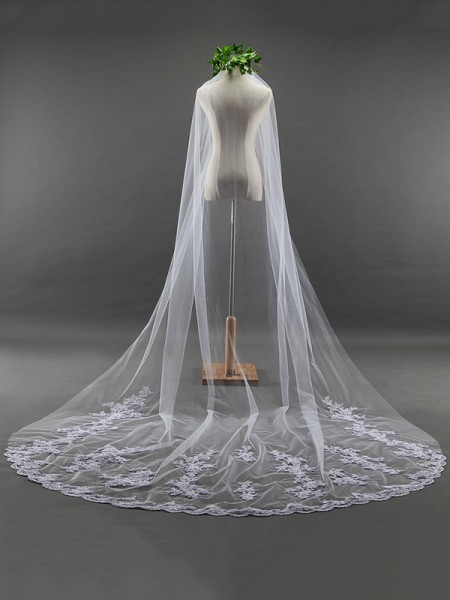 Fancy Tyll With Pizzo Lungo Wedding Veils