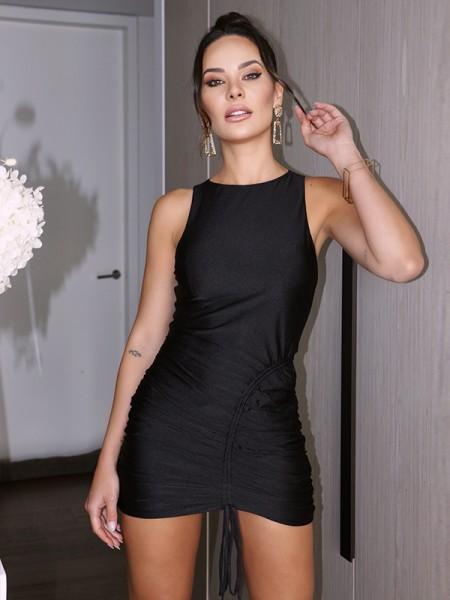 Sheath/Column Scoop Satin Ruched Sleeveless Short/Mini Homecoming Dresses