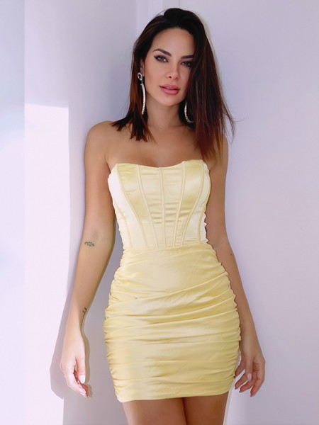 Sheath/Column Satin Ruched Sleeveless Sweetheart Short/Mini Homecoming Dresses