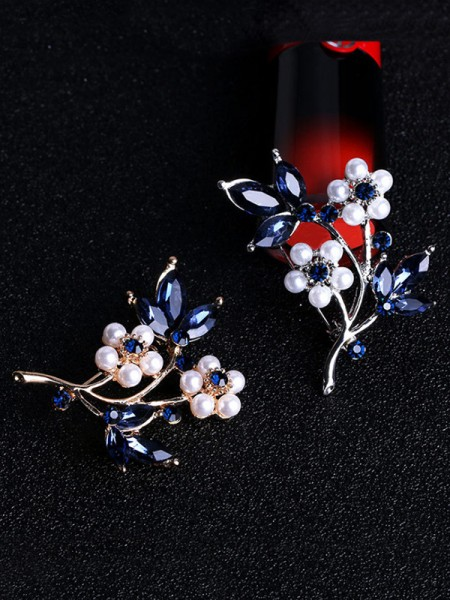 Flower Shaped Lega With Strass Le signore' Spilla