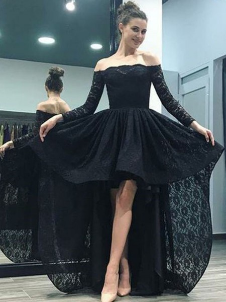 Sweep/Brush Train A-Line/Princess Long Sleeves Off-the-Shoulder Lace Dresses
