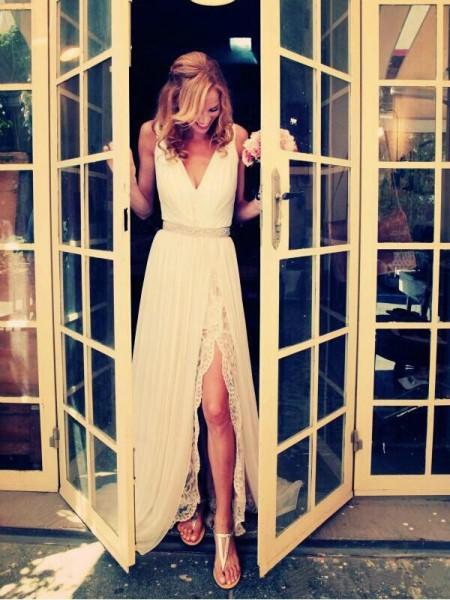 Principessa Scollatura a V Strascico Informale Senza maniche Perline Chiffona Abiti da Matrimonio