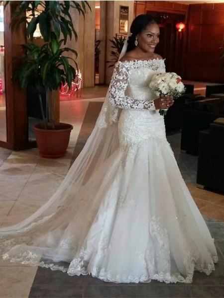 Sirena Spalle scoperte Maniche lunghe Pizzo Sweep/Spazzola Treno Tyll Abiti da Matrimonio