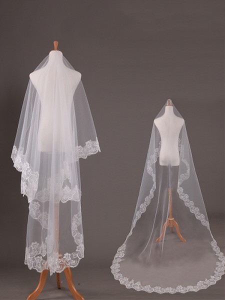 Pretty Tyll With Pizzo Lungo Wedding Veils