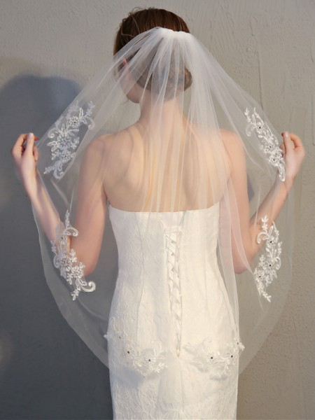 Fancy Tyll With Pizzo Wedding Veils