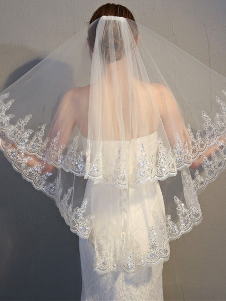 Affascinante 2 Layer Tyll With Pizzo Wedding Veils