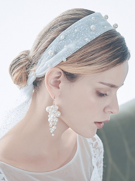 Bellissimo Tyll One-Tier Elbow Sposa Veli con Imitation Perle And Earrings
